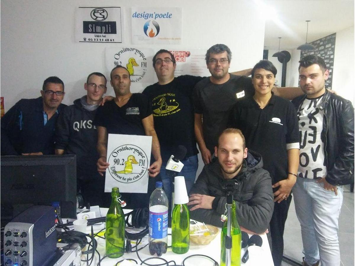 L'équipe de la radio Ornithorynque chez Simply Kebab de Connerré
