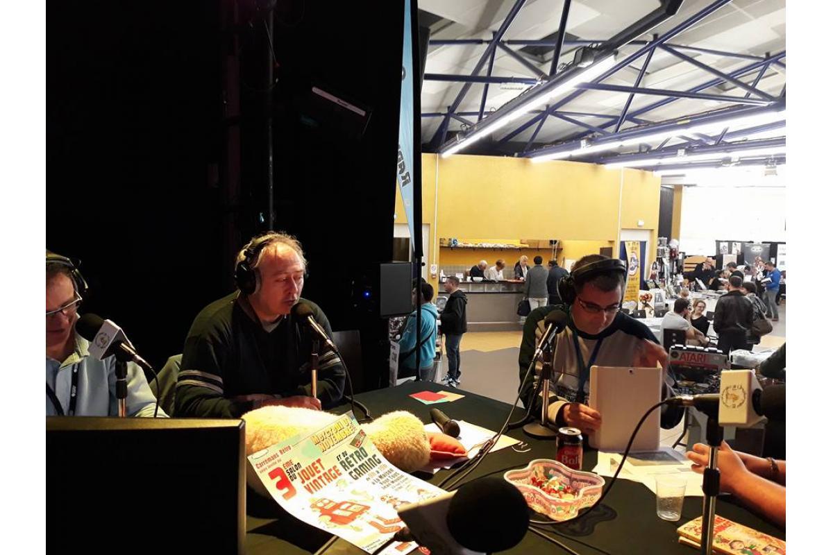 Les interviews sont filmés et diffusés sur la page Facebook de la radio